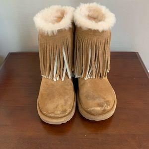 Girls classic short Ugg fringe boot